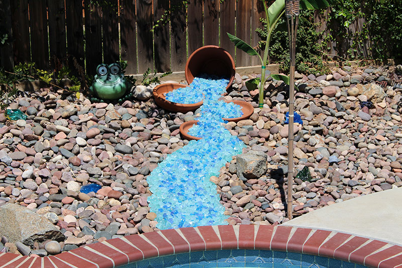 landscaping glass alternative to rocks