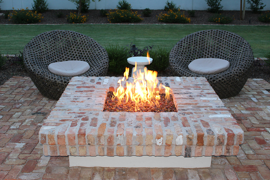 Reflective Fire Glass Fire Pit Inspiration Design Ideas