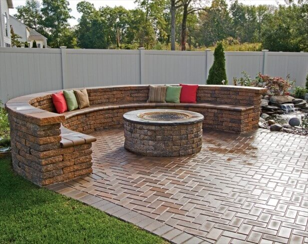 half-rounded-exterior-gray-stone-round-shaped-fire-pit-kit-has-steel-platform